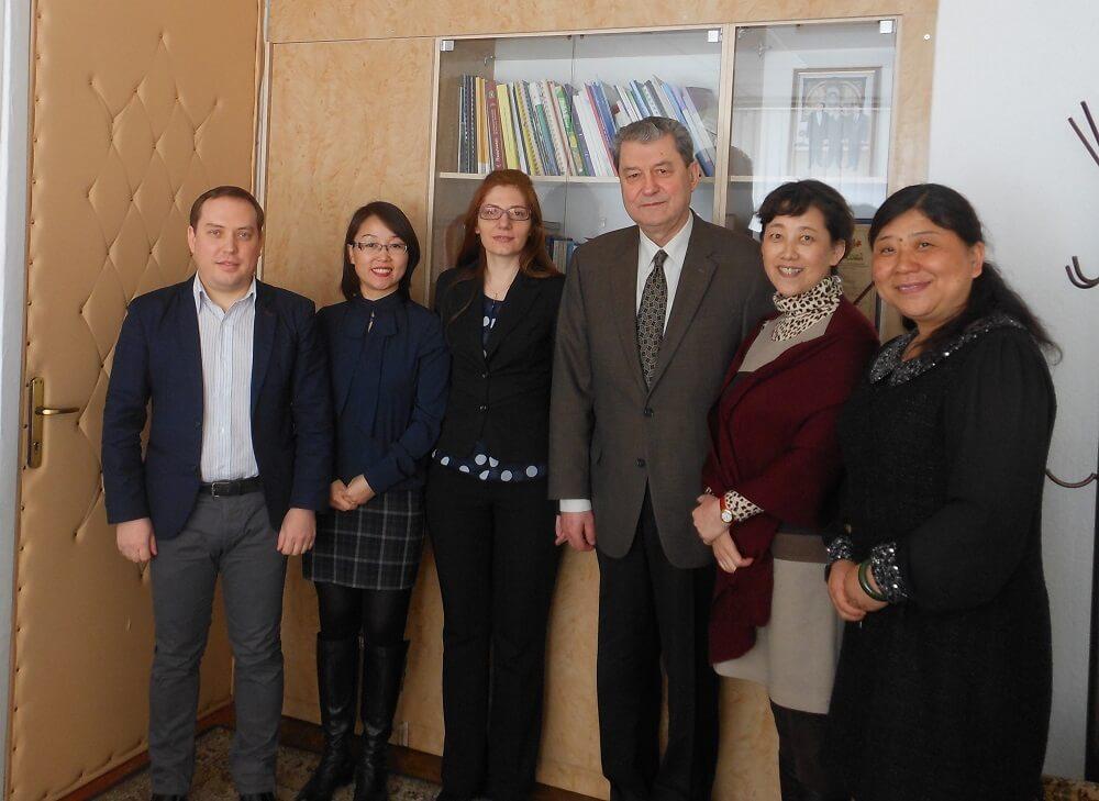 Profesori din China în vizită la ULIM